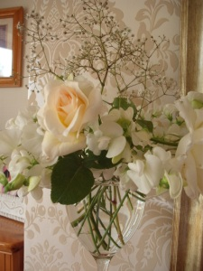 Rose Royal Matrimony and White Sweet Peas